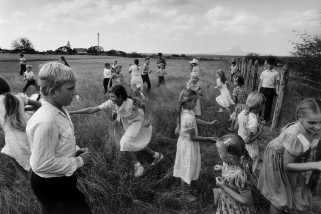 One Day With Larry Towell