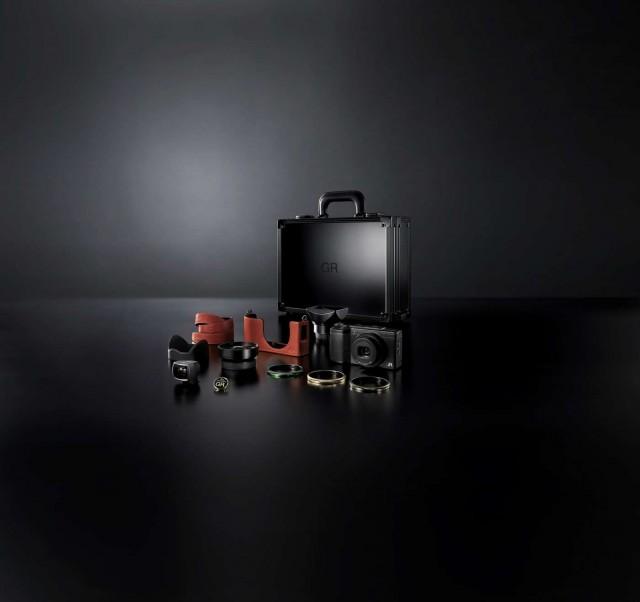 Ricoh GR II Premium Kit