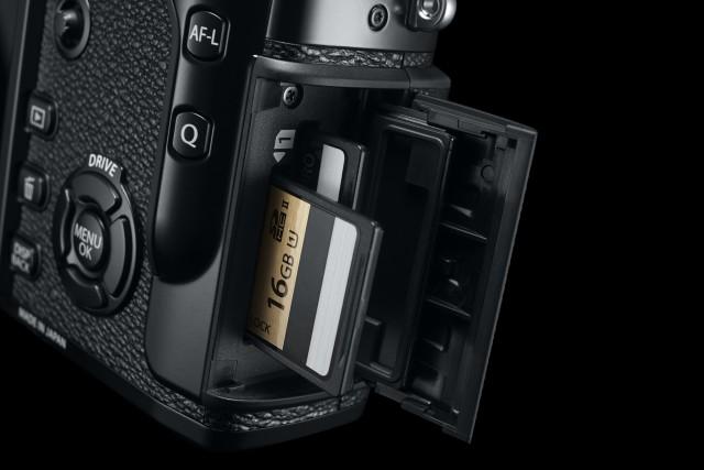 Fuji X Pro2 Street Photography Review - Dual Card Slots