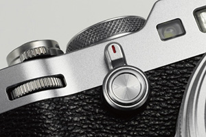 Fuji X100F Street Photography Review  Command Dial